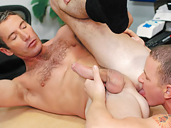 Aiden rims and relaxes Joe's darksome hole before plunging on in !