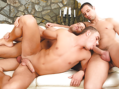 Enrico gets double-stuffed by stunning euro twins Alex & Ian