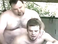 Bear ready faggot bangs amateur dude in garage