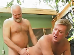 Hairy dad screws poor dilf in doggy style