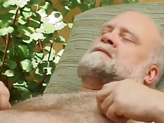 Hairy old gay enjoys by facefucking outdoor