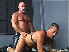 Mature wavy homo attains hard anal behind on floor
